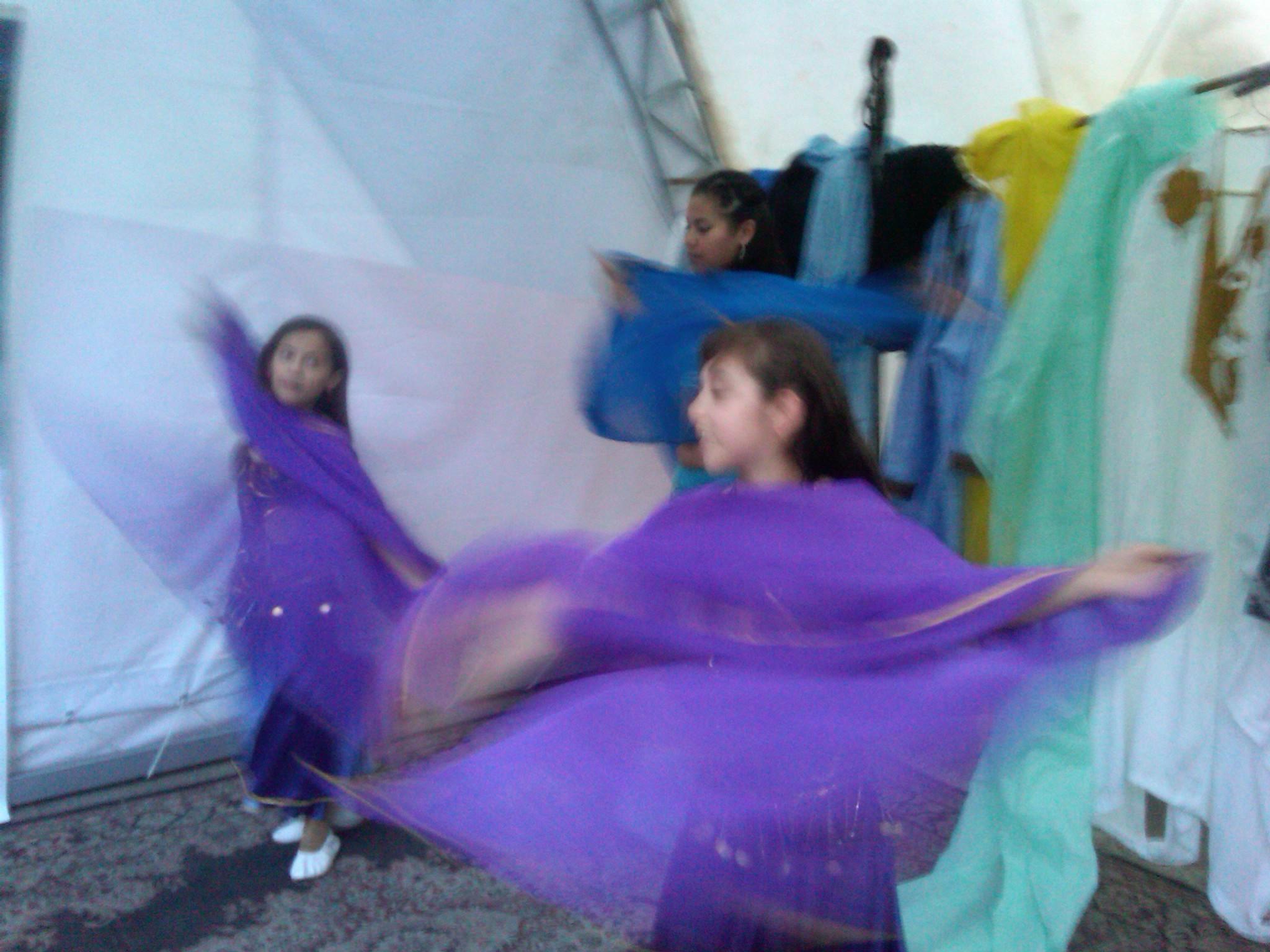 Educación_intercultural,_danza_árabe_en_Feria_de_las_Culturas_Amigas_2