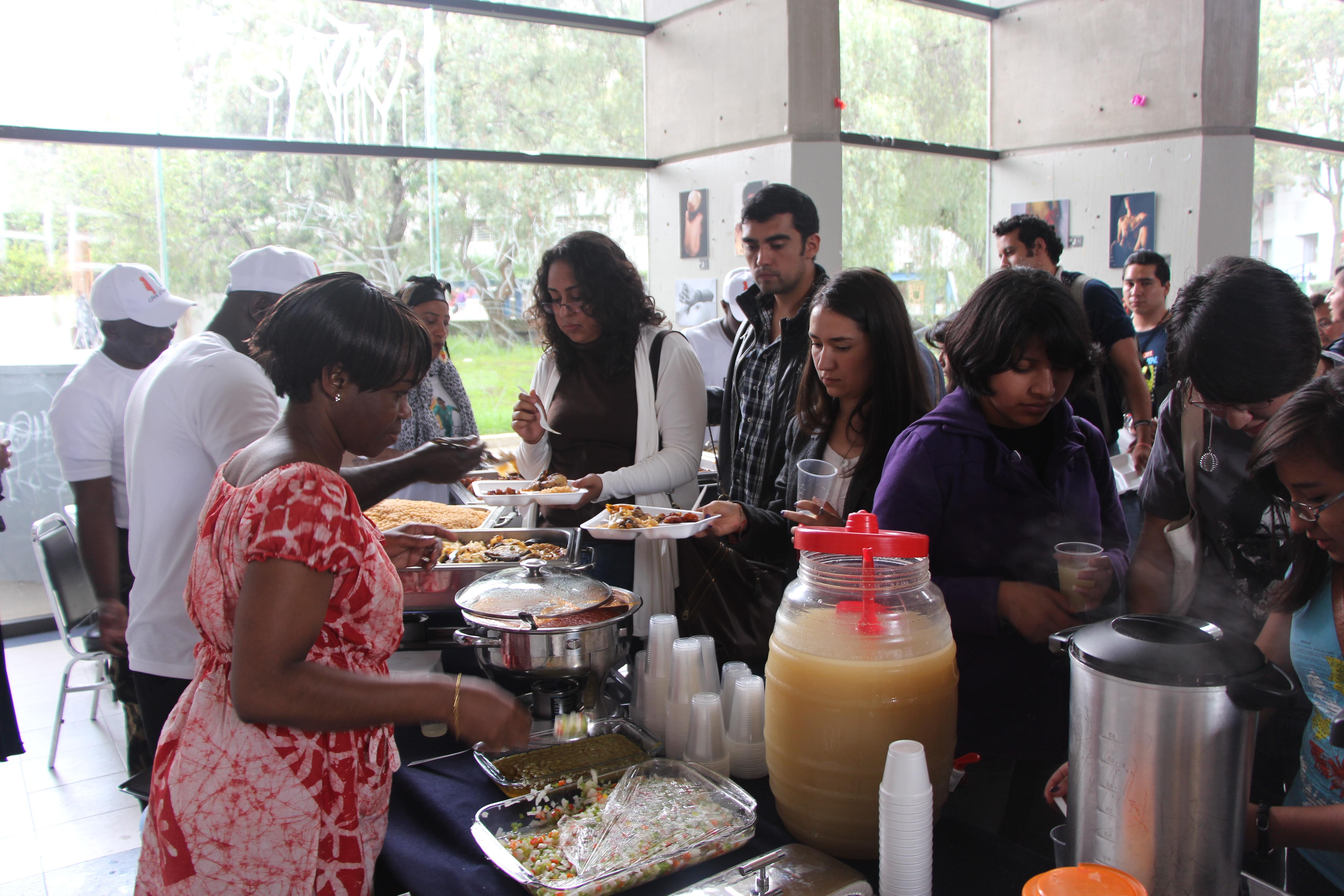 Educación_intercultural,_1er_Encuentro_Intercultural_África-México,_muestra_gastronómica,_FCPyS-UNAM