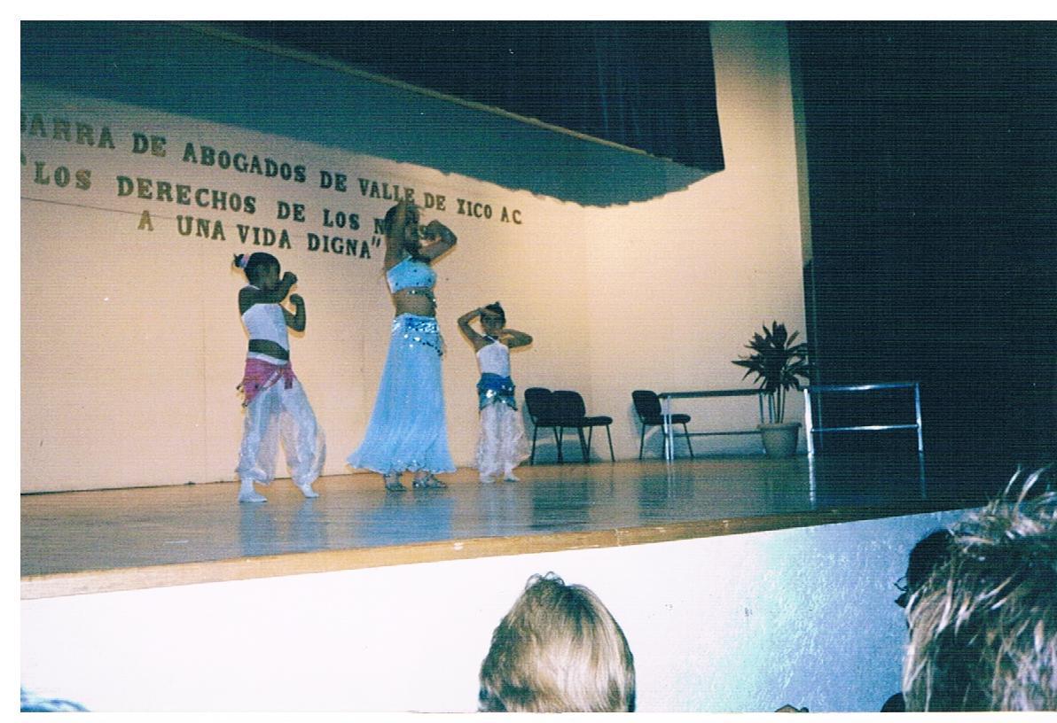Presentación_de_danza_árabe_1