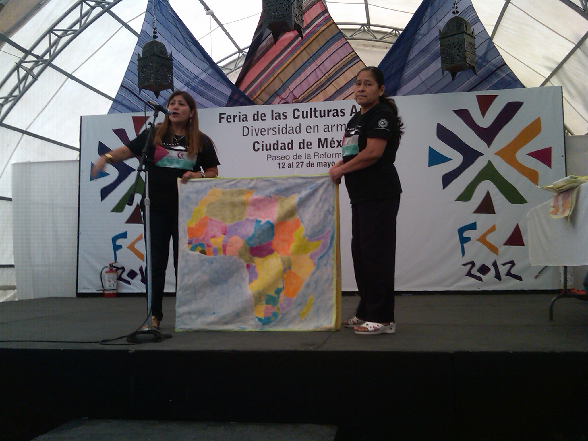 Educación_para_la_paz,_cuento_de_Irene_en_el_sáhara,_Feria_de_las_Culturas_Amigas_1
