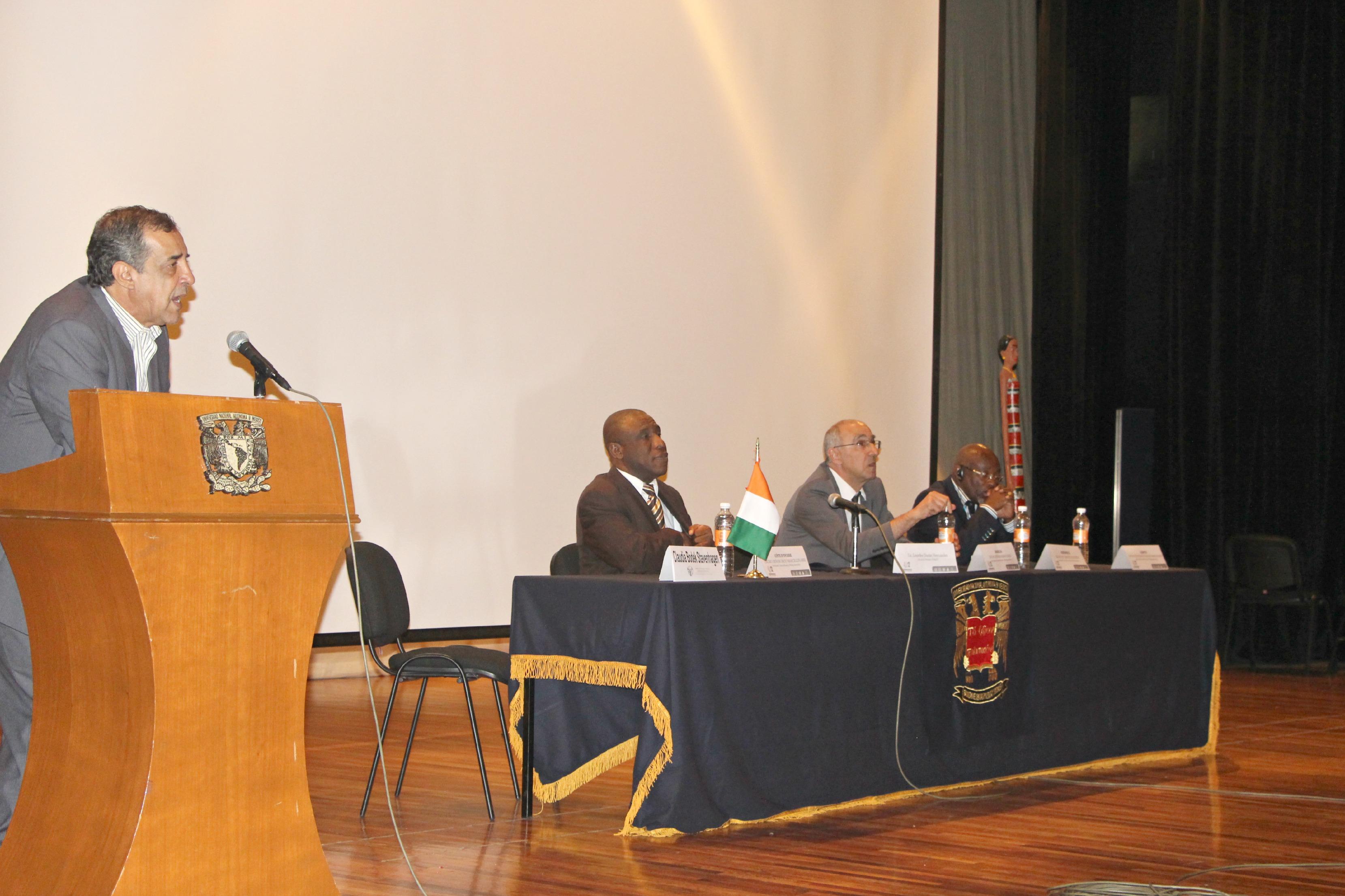 Educación_intercultural,_1er_Encuentro_Intercultural_África-México,_FCPyS-UNAM_3