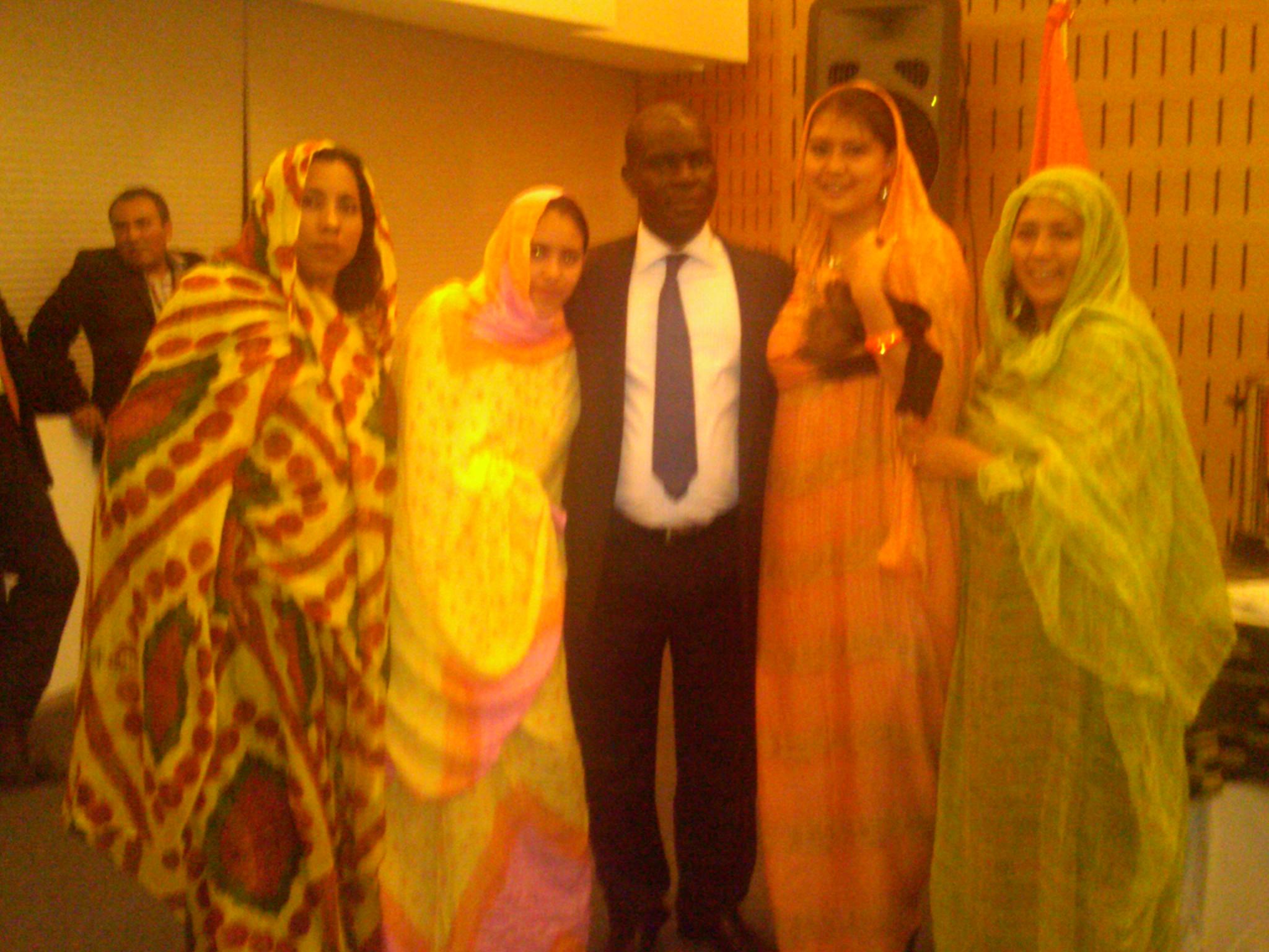 Educación_intercultural,_Semana_de_África,_con_Secretario_de_Cultura_de_Costa_de_Marfil,_COLMEX