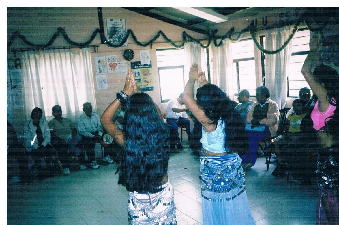 Cierre_de_Taller_de_desarrollo_humano_-_Presentación_de_danza_árabe_2