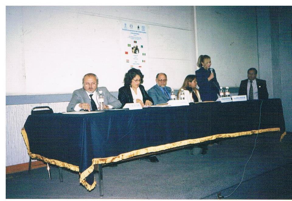 Certificación_de_educación_básica_-_autoridades_de_UNESCO,_Cátedra_UNESCO_de_Derechos_Humanos,_INEA,