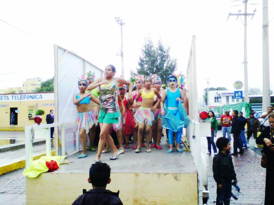 Educación_intercultural,_difusión_de_la_cultura_saharaui_y_dominicana;_desfile_cultural_en_Hidalgo_2