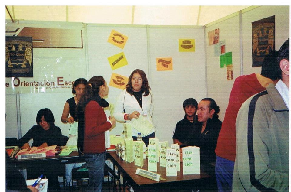 Orientación_educativa_(exposición_de_carreras)_UNAM_2