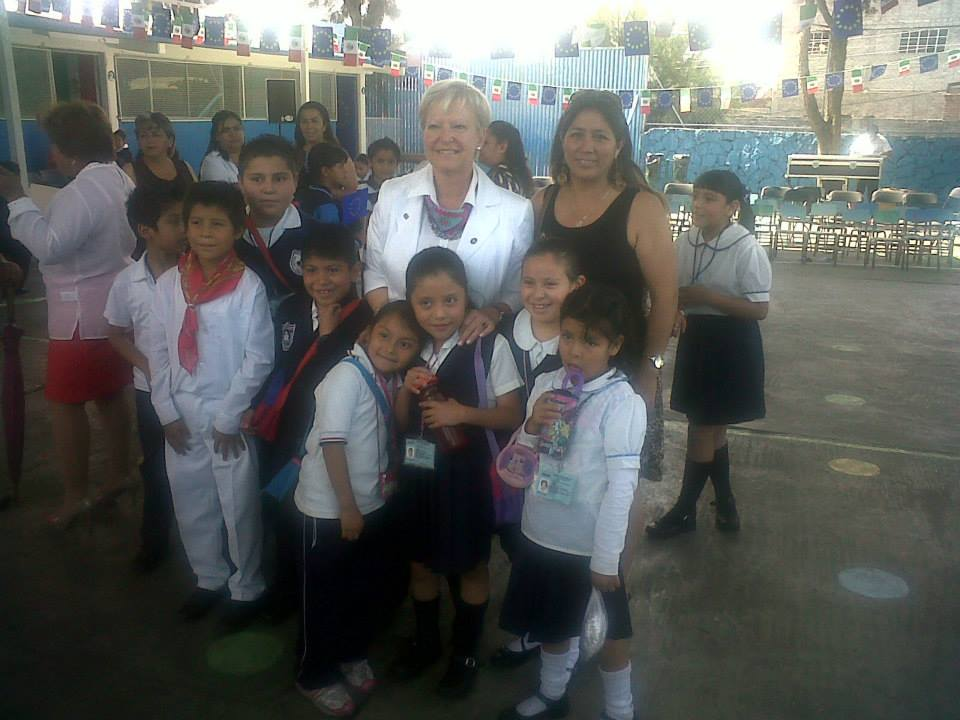 Educación_intercultural,_visita_de_la_Embajadora_de_la_UE_en_escuela_primaria_1