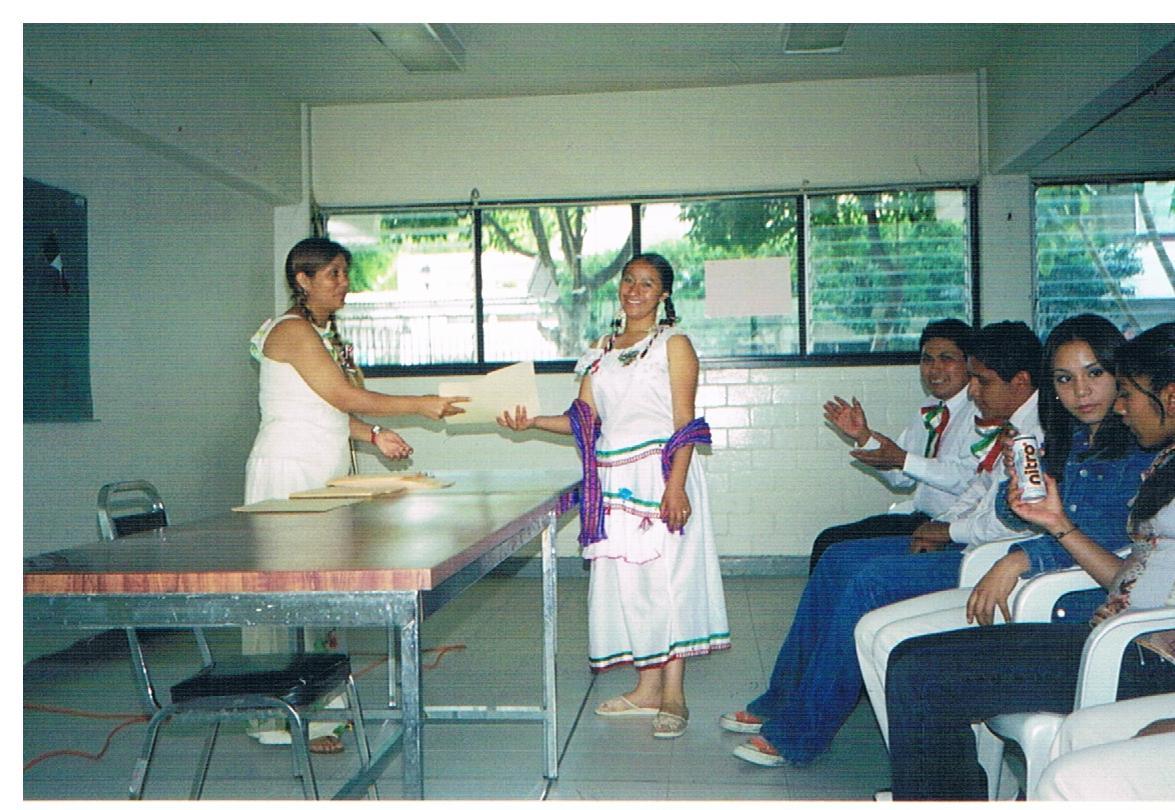Certificación_de_educación_básica_-_mujeres_3