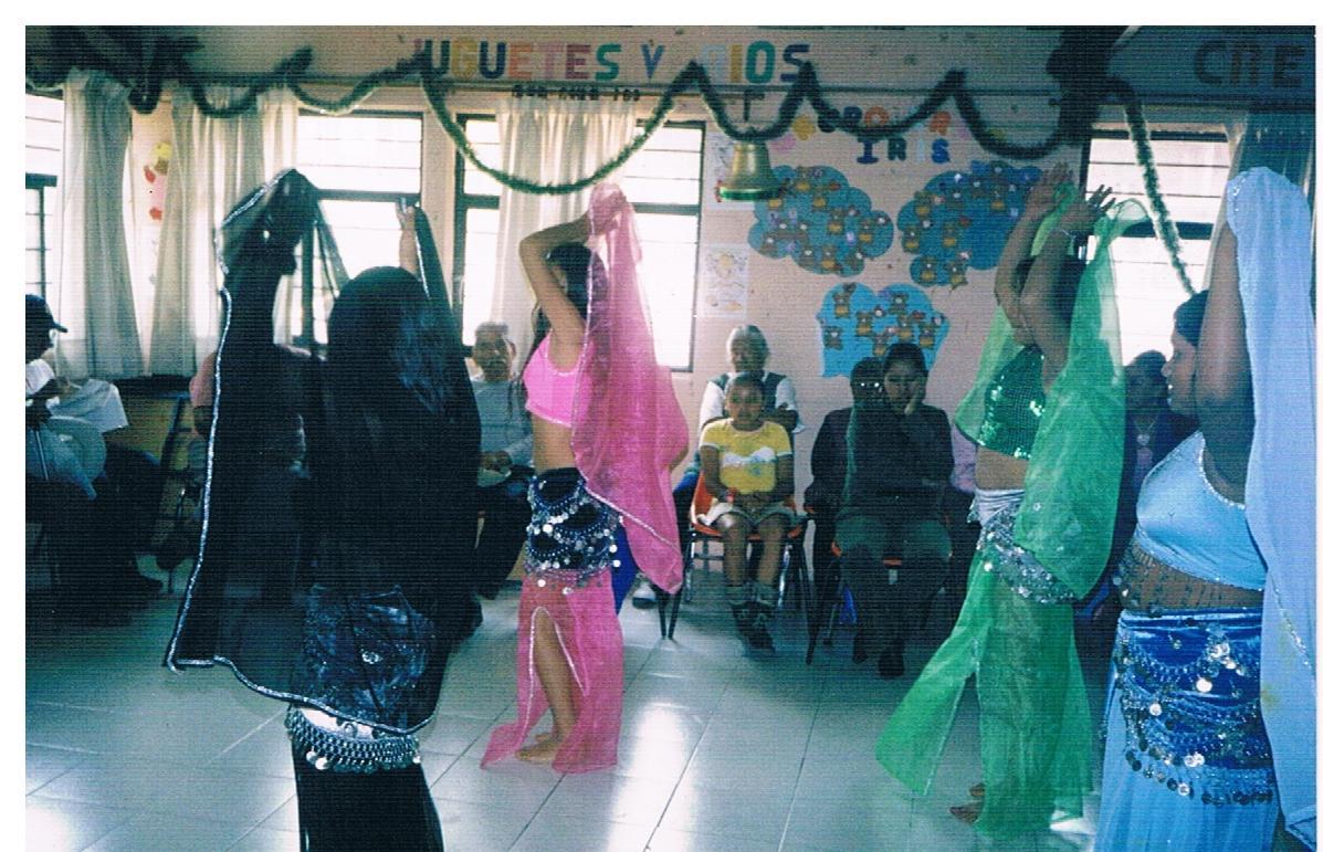 Cierre_de_Taller_de_desarrollo_humano_-_Presentación_de_danza_árabe_1
