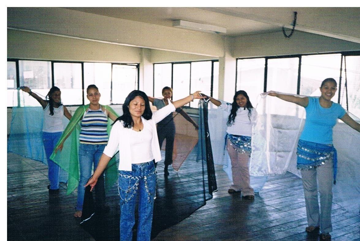 Educación_intercultural,_taller_de_danza_árabe_1