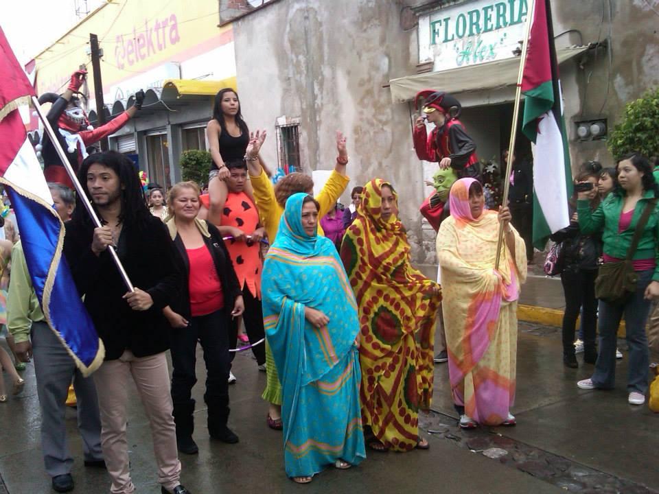 Educación_intercultural,_difusión_de_la_cultura_saharaui_y_dominicana;_desfile_cultural_en_Hidalgo_3
