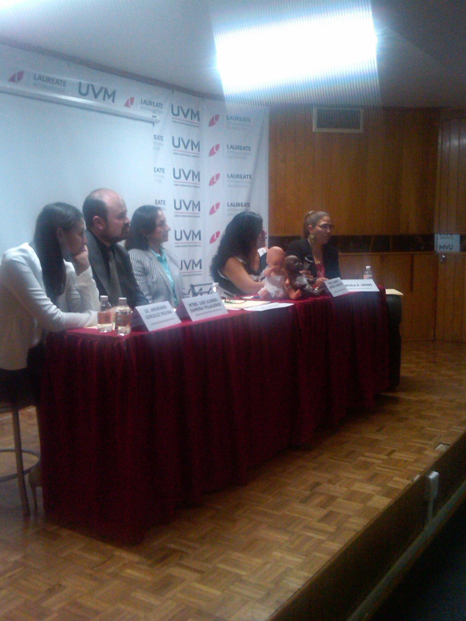 1er_foro_intercultural_de_paz,_Universidad_del_Valle_de_México_1