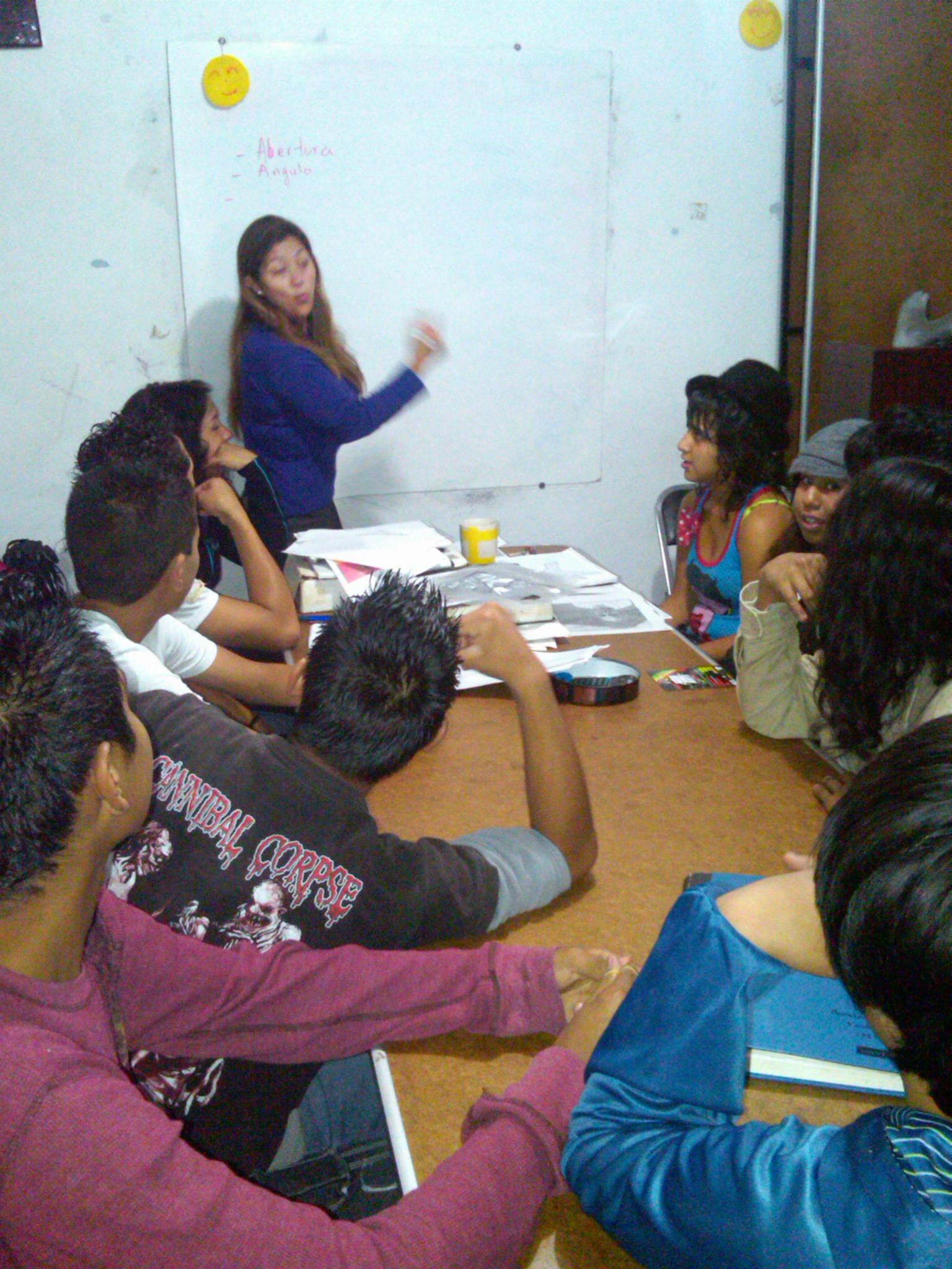 Clases, educación básica 4