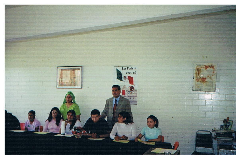 Entrega_de_certificados_de_educación_básica_4