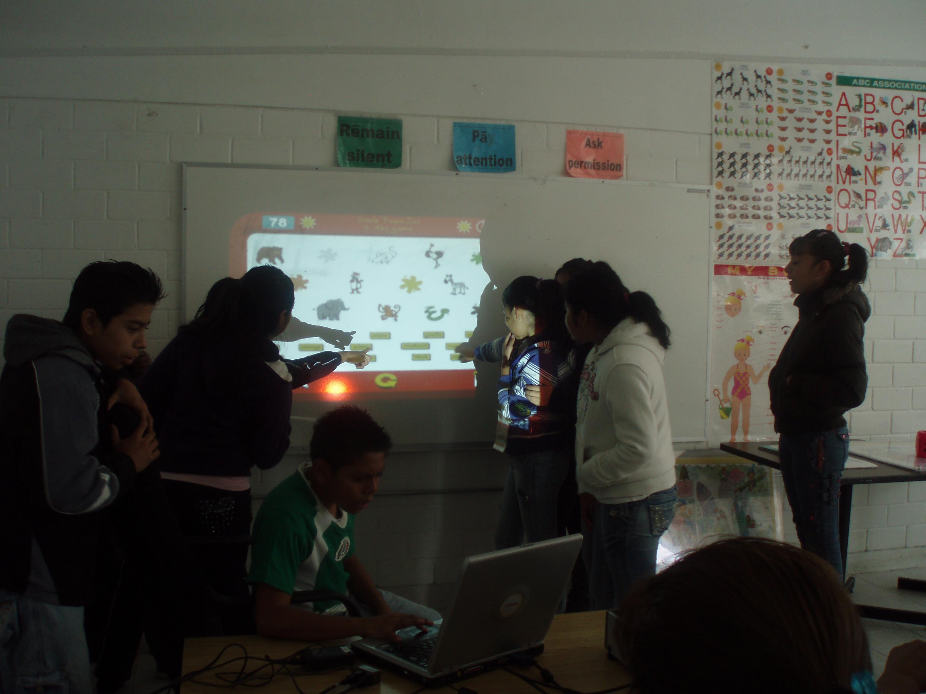 Salón_de_clases_de_educación_básica_7