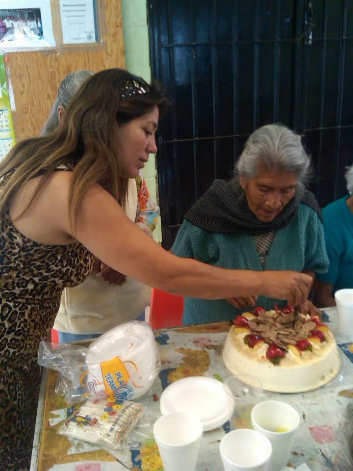 Celebrando_90_años_de_Doña_Francisca_3