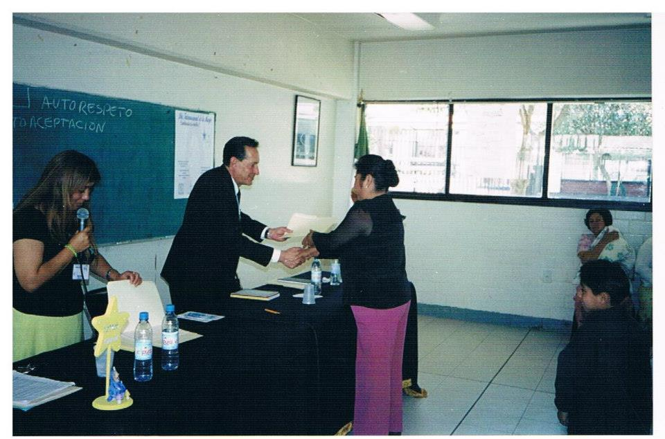 Certificación_de_alfabetización_y_educación_básica_-_mujeres_3