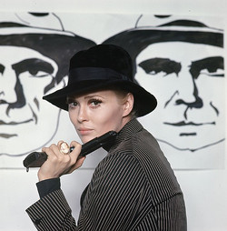 """Faye Dunaway """"Bonnie"""" promo pictures"""