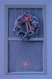 snowywreath.jpg