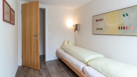 Schlafzimmer Ost mit zwei Einzelbetten