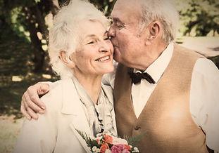 Ehejubiläum feiern mit Traurednerin Steffi Heither