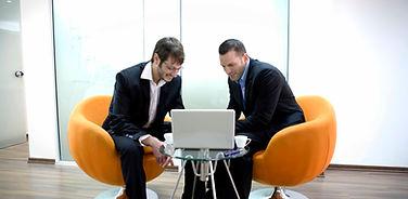 dos hombres de negocios