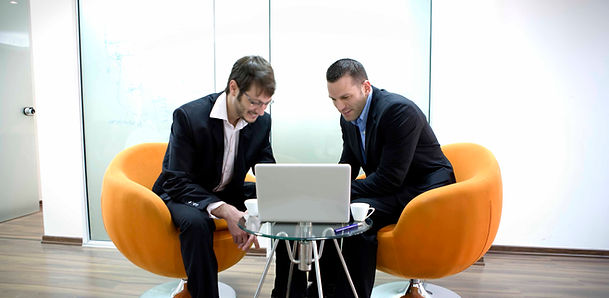 dois homens de negócios