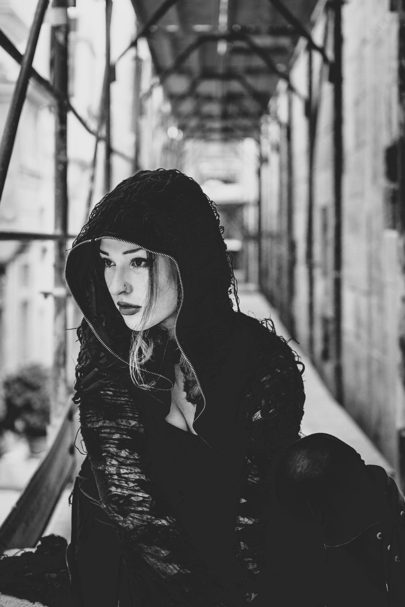 Singer Vanja Obscure