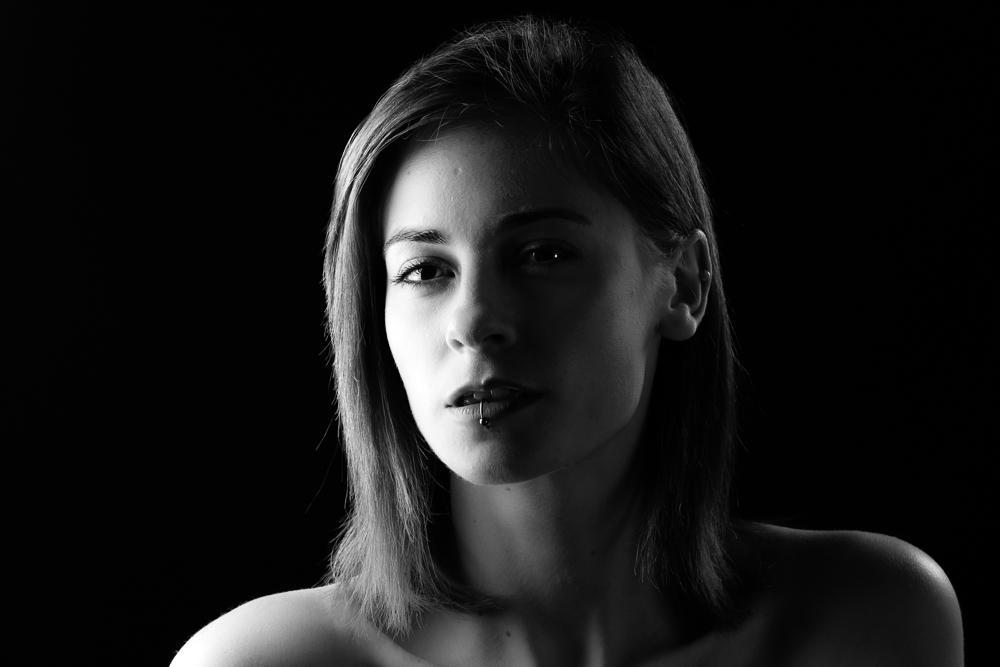 Model Jade Bartolo