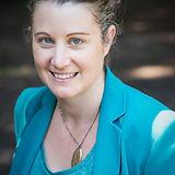 Headshot_Laurie-Carlsson.jpg