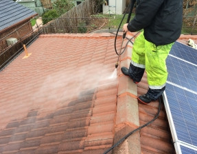 NSRS   Pressure Cleaning Tile Roof