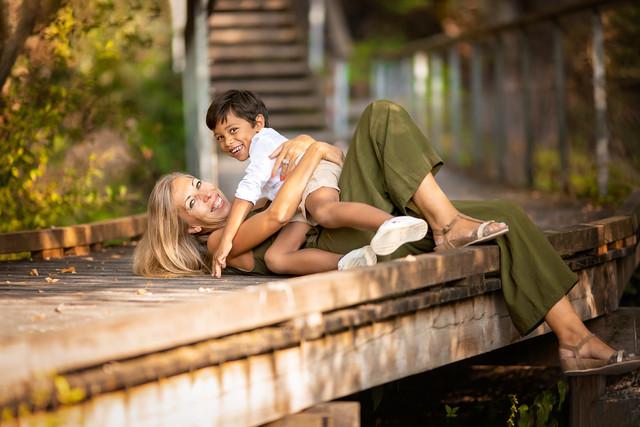PHOTO-MAMAN-ENFANT-EXTERIEUR-HENIN-BEAUM