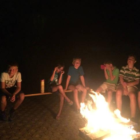 Am Lagerfeuer entspannt es sich am schönsten