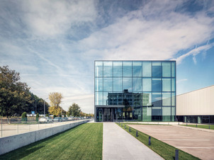 Edifício Corporativo Desizo Monni