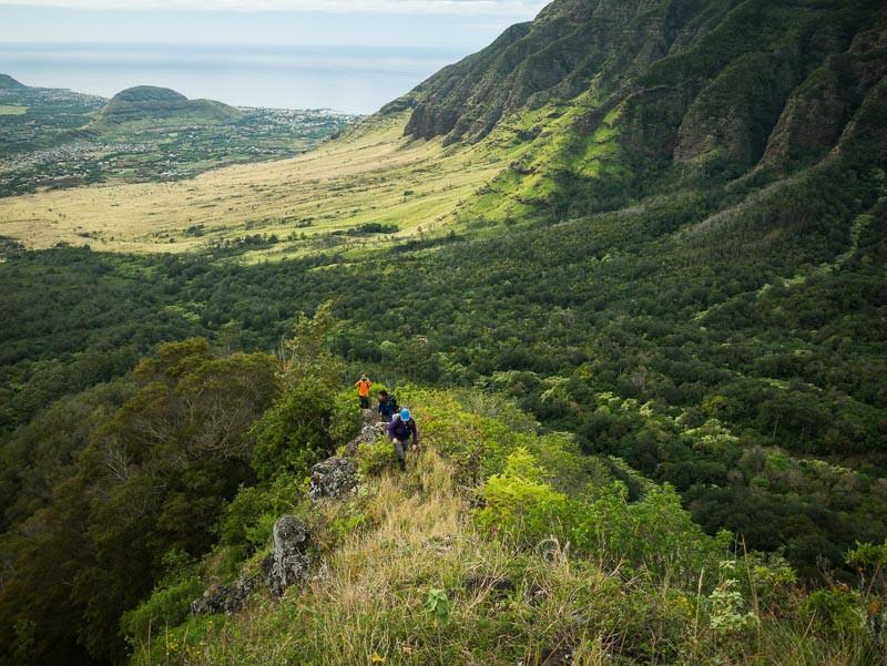 hikers on bolohead ridge