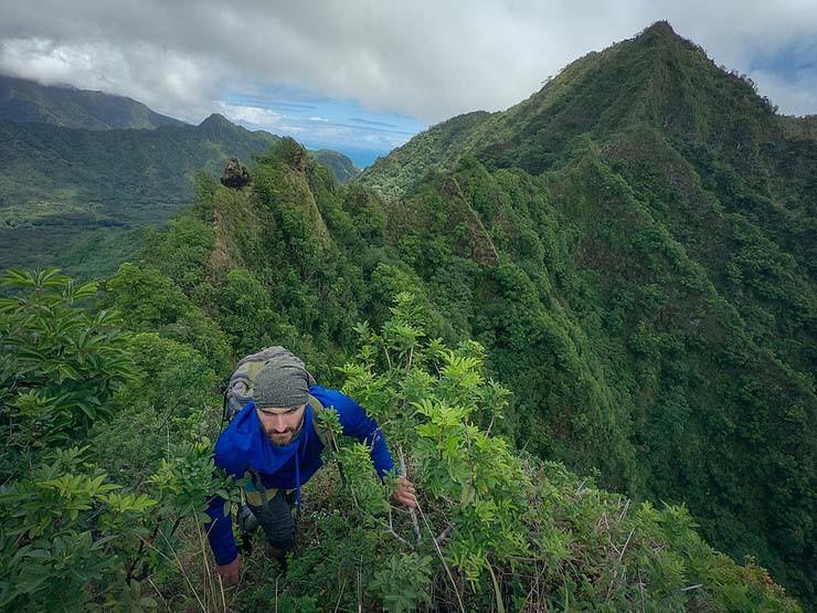 hiker on Pu'u Manaman ridge