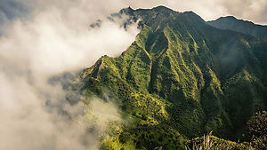 Moanalua-Saddle-covered-in-clouds-after.