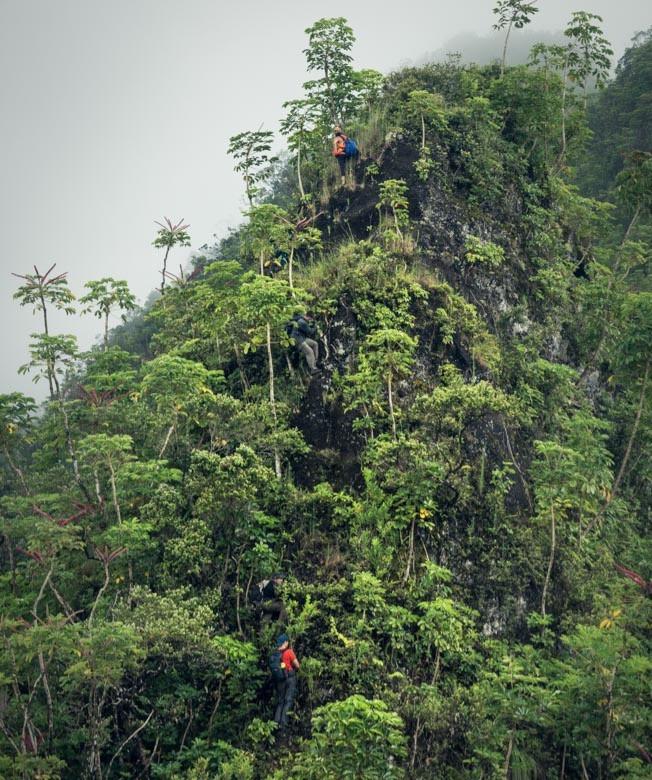 climbers on kalahaku teeth