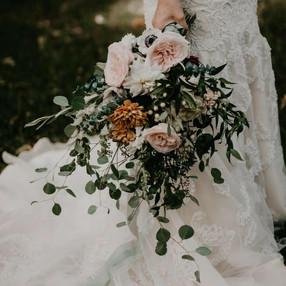 Wild Garden Style Wedding Bouqeuts