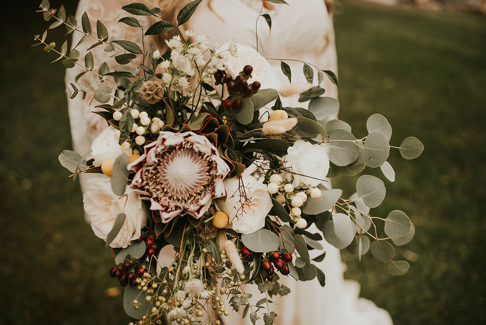 wild boho bouquet, billy balls, dried flowers