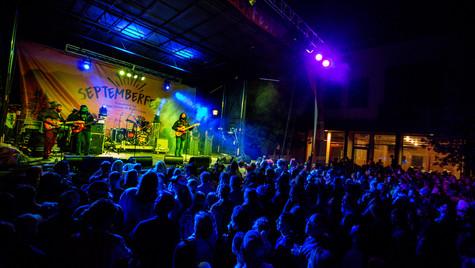 September fest crowd