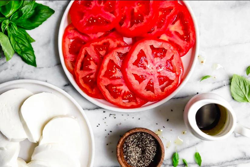 tomato-olive oil-mozzarella.png