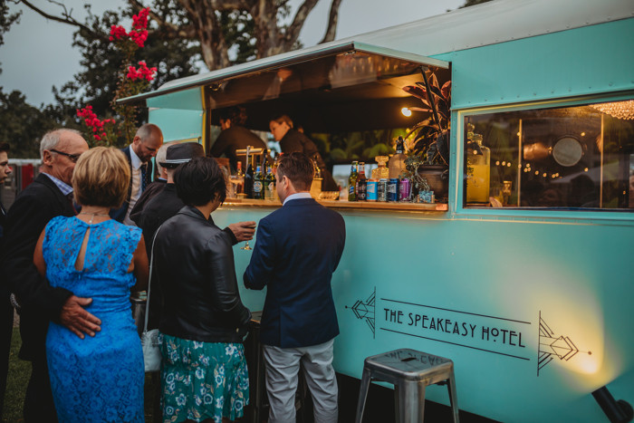 Hollywood Caravan Bar 42