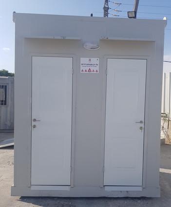 מבנה 2 תאי שירותים ממכולה - חזית המבנה.j