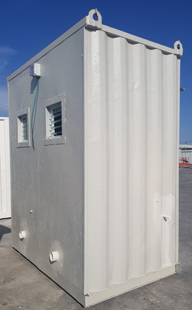 מבנה 2 תאי שירותים ממכולה - חוץ המבנה.jp