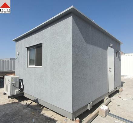 מבנה משרד עם תא שירותים ומטבח בגודל 5על