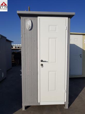 תא מקלחת בודד מפנל מבודד.jpg
