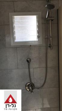 מכולת 6 תאי מקלחת טרספות כולל מבואה - תא