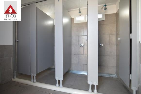 מכולה 8 תאי מקלחת תאי טרספות 4 תאים בכל