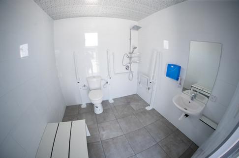 שירותים ומקלחות נגישים לנכים